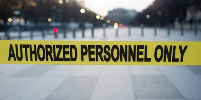 Beyaz Saray'ın demir parmaklıklarını aştı