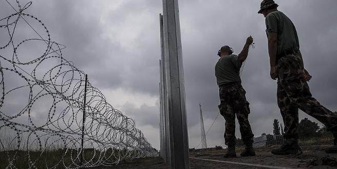 Makedonya sınırına 13 kilometre tel örgü
