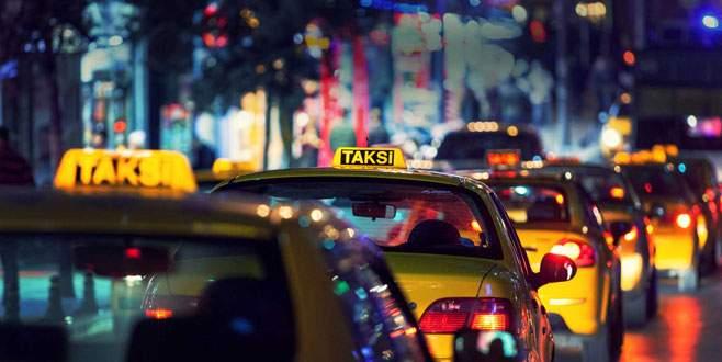 Taksici aracında ölü bulundu!