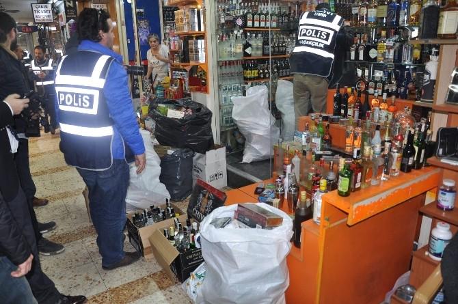 İzmir'in Göbeğinde Kaçak İçki Ve Sigara Satan İşyerlerine Baskın