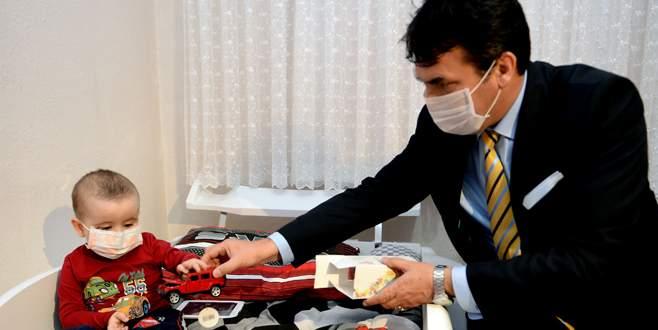 Lösemi hastası Ahmet'e Dündar'dan sürpriz