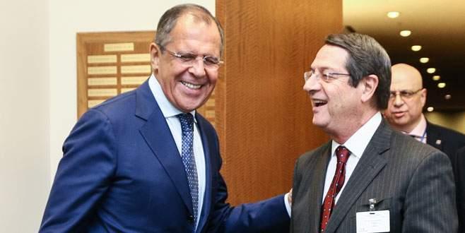 Lavrov'dan ağır suçlama