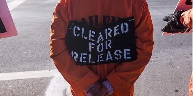 Obama'ya 'CIA işkencecilerini yargıla' çağrısı