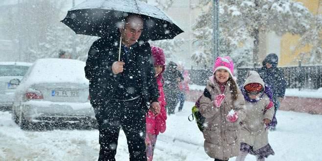 Bir ilde eğitime kar engeli