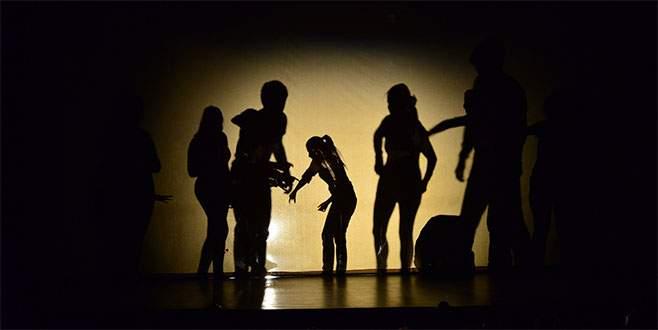 Kadına yönelik şiddet tiyatroda