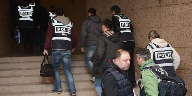 İzmir merkezli 'Paralel' operasyonunda 10 tutuklama