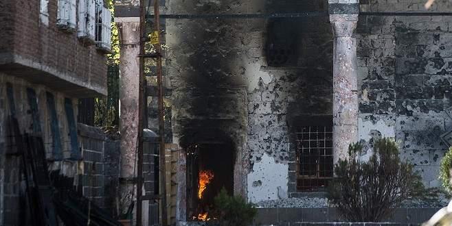 PKK saldırısı nedeniyle tarihi cami yanıyor