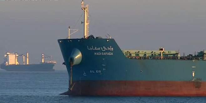 Rusya'dan gelen gemi karaya oturdu