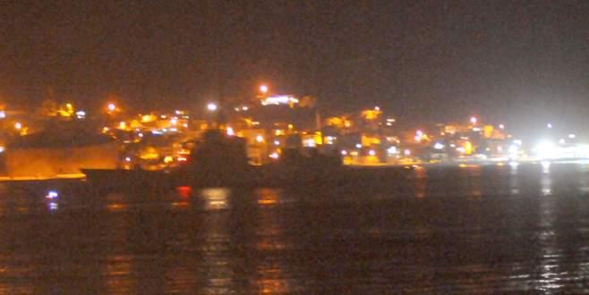 NATO gemileri Boğaz'dan geçti!