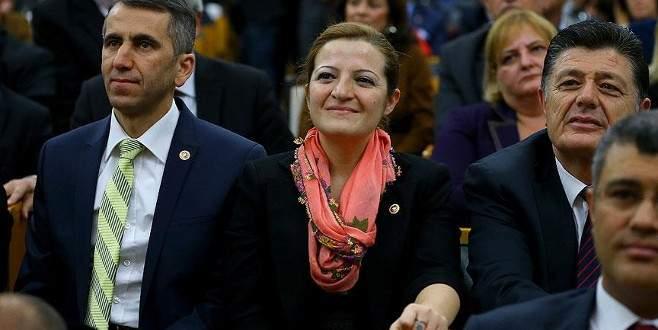 Anadolu kadınının yazmasını Meclis'e taşıdı