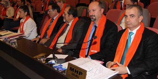 Mecliste turuncu devrim!