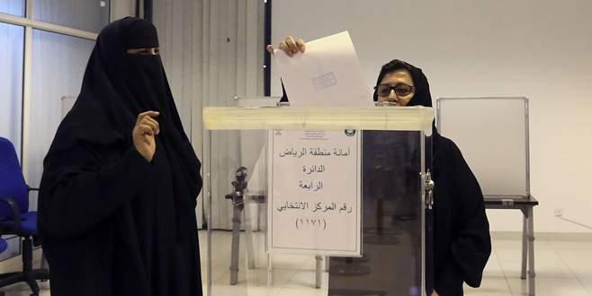 Suudi kadını ilk kez oy kullandı