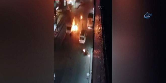 PKK yandaşları park halindeki araçları ateşe verdi