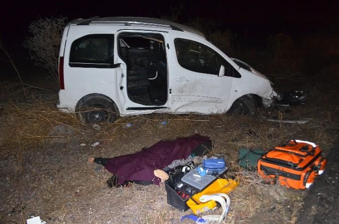 Düğün Dönüşü Trafik Kazası: 1 Ölü, 3 Yaralı