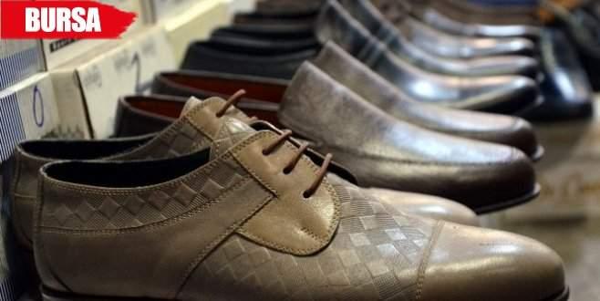 Bu ayakkabılar için aylarca sıra bekliyorlar