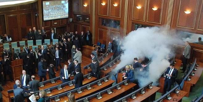 Kosova'da 5 muhalefet milletvekili daha gözaltına alındı