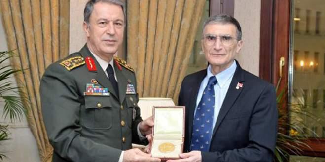 Aziz Sancar'ın aldığı Nobel Ödülü Anıtkabir'de sergilenecek
