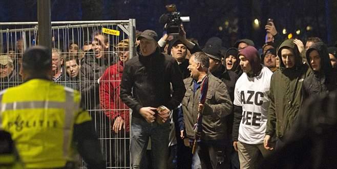 Hollanda'da göçmen karşıtı gösteri