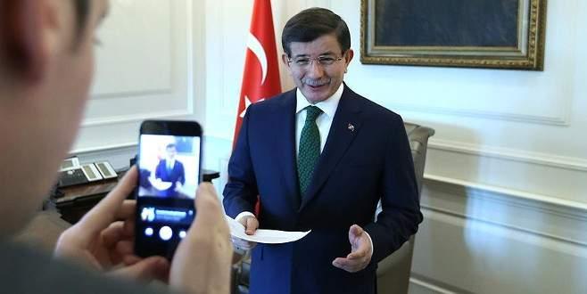 Davutoğlu, Facebook canlı yayınında konuştu