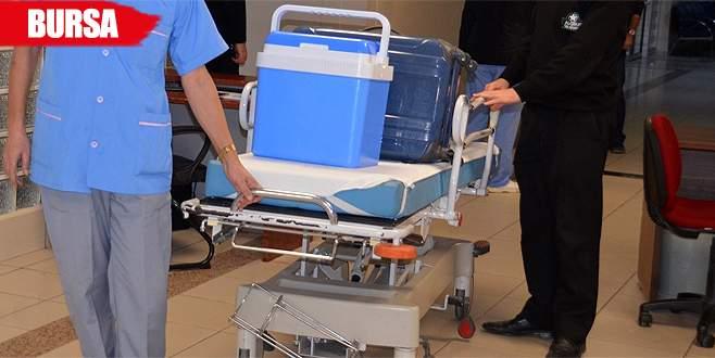 Böbrek bekliyordu, karaciğerini bağışladı