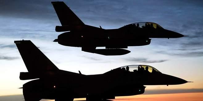 Suriye sınırında 10 F-16 ile devriye uçuşu