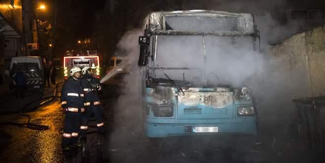 Halk otobüsü molotofkokteyli ile yakıldı