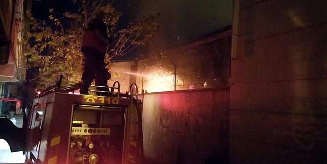 Teröristler okulu ateşe verdi
