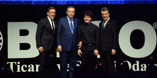 Erdoğan'dan genç müzik dahisine piyano