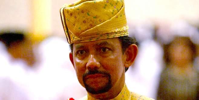 Brunei Sultanı Noel'i yasakladı