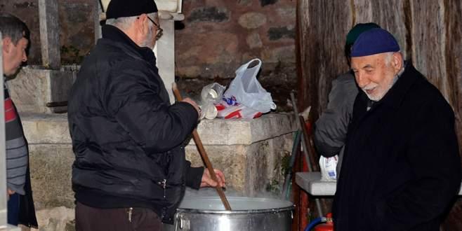 Bursa'da yüzlerce yıllık kandil geleneği!