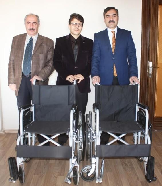 Ahlat Belediyesi Engelliler İçin Camilere Tekerlekli Sandalye Aldı