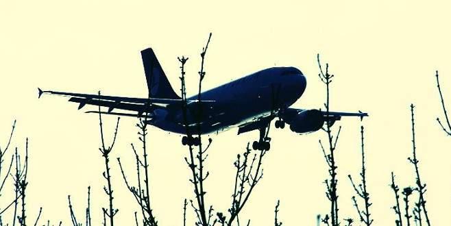 PKK'lı teröristlerden yolcu uçağına taciz ateşi!