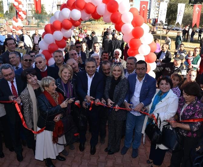 Muratpaşa Belediyesi Dört Parkı Aynı Anda Açtı