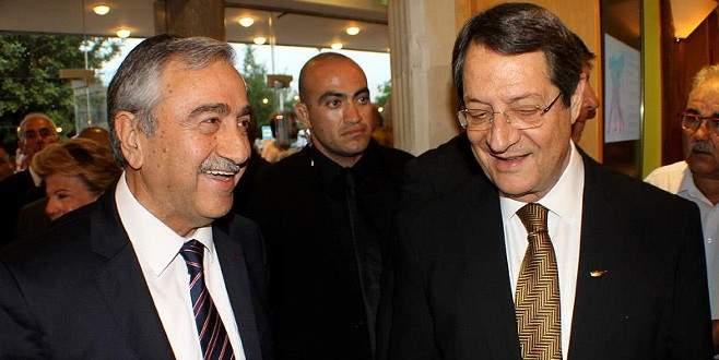 Kıbrıs'ta liderlerden ortak yeni yıl mesajı