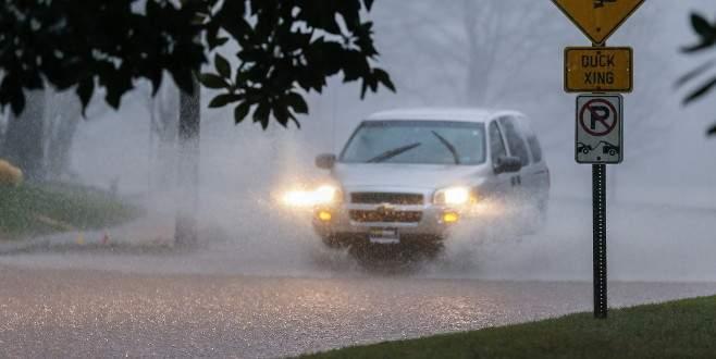 ABD'de fırtına ve sel nedeniyle 11 kişi öldü