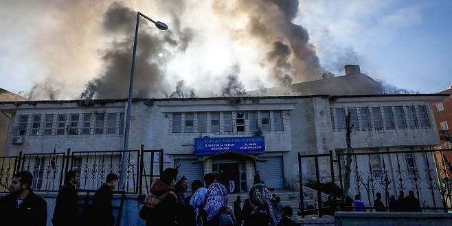 Kültür merkezine bombalı saldırı: 4 çocuk yaralı