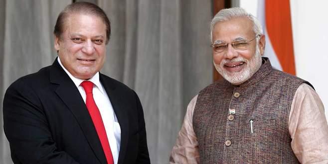 Başbakan Modi'den sürpriz ziyaret