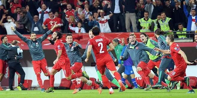 UEFA'da yılın golü Selçuk İnan'dan