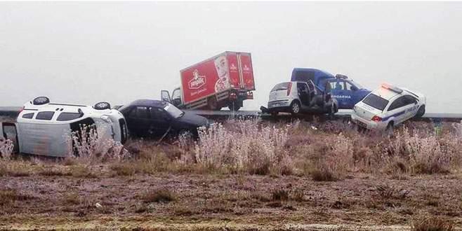 11 araçlı zincirleme kaza: 6 yaralı