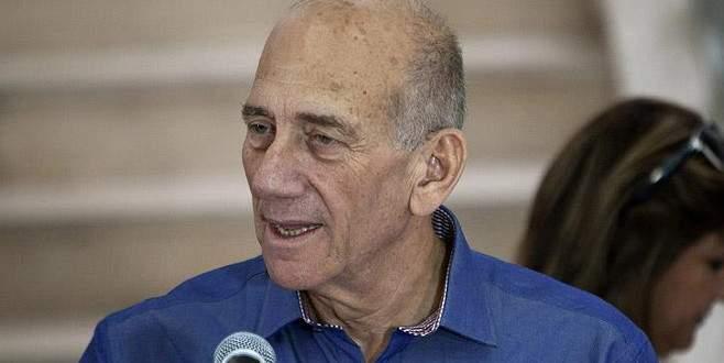 İsrail eski Başbakanı 18 ay hapis yatacak