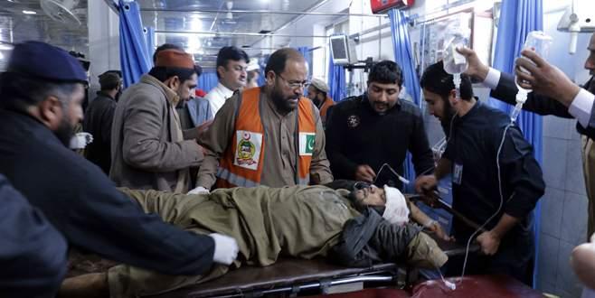 Pakistan'da kanlı saldırı: 23 ölü