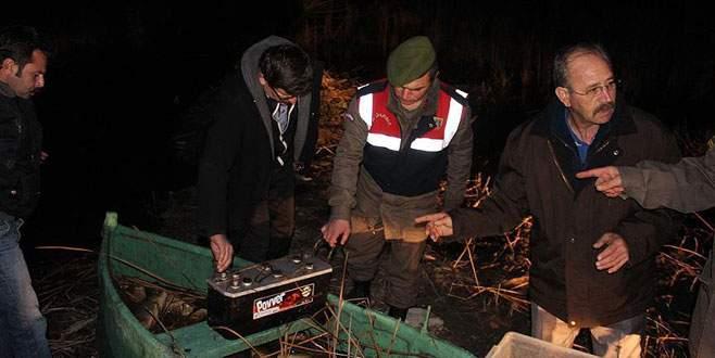 Elektroşok cihazıyla balık avlarken öldüler