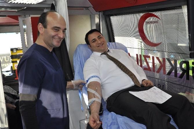 Enerya'dan Kızılay'a Kan Bağışı