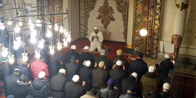 Yeni yılın ilk sabahında Ulu Camii doldu taştı