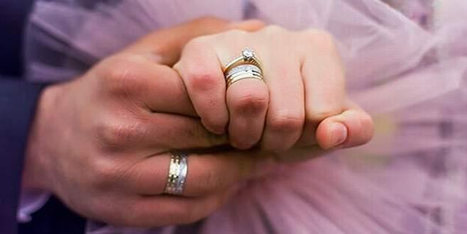 Diyanet'ten açıklama: 'Nişanlıyken el ele tutuşmayın, baş başa kalmayın'