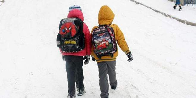 Pek çok ilde eğitime kar engeli