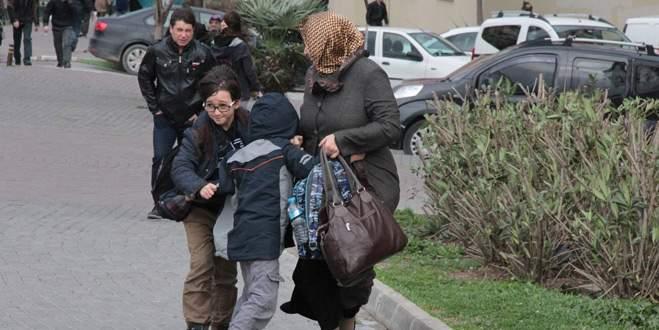 Şiddetli lodos, Bursa'da hayatı olumsuz etkiledi