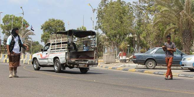 Aden'de sokağa çıkma yasağı başladı