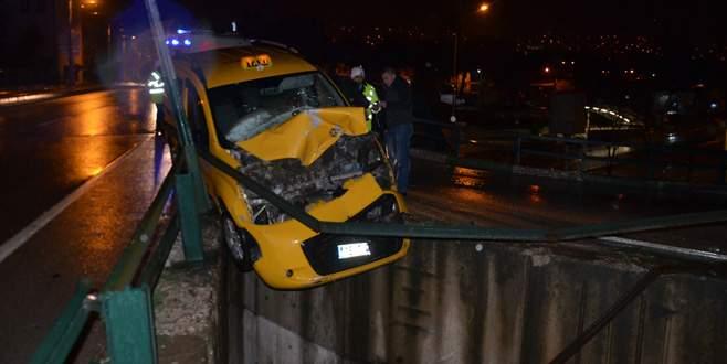 Bursa'da feci kaza! Ölümün kıyısından döndüler