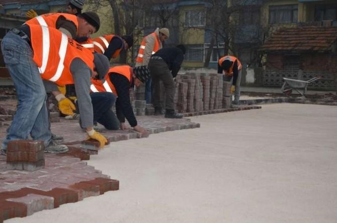Suluova Belediyesi Park Yapım Ve Yenileme Çalışmalarını Sürdürüyor